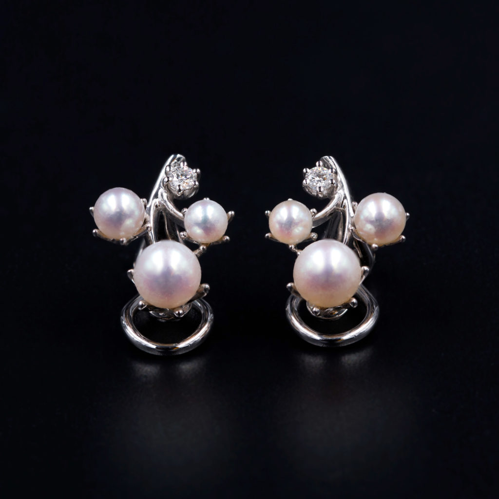 Pearl earrings product shot