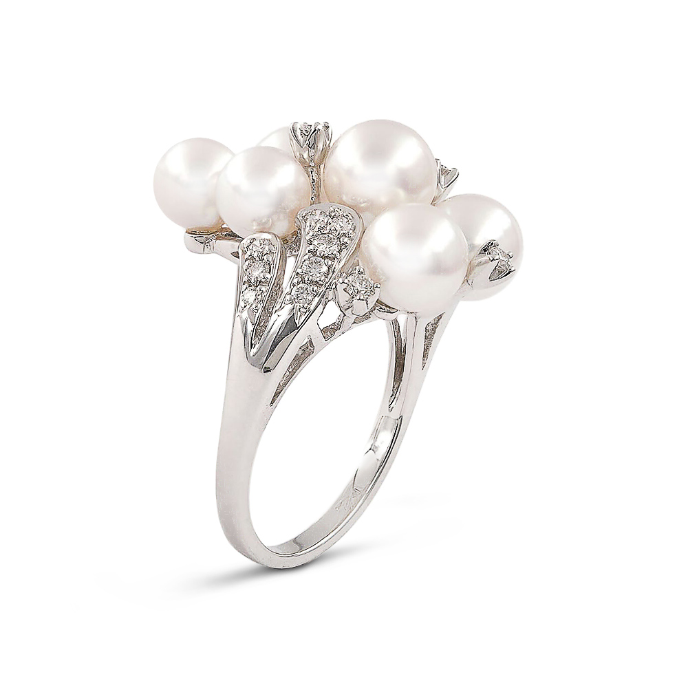 Product photography jewellery pearl